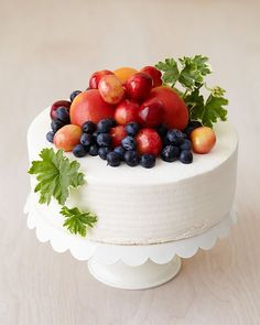 Beautiful #wedding cake topped with fruit