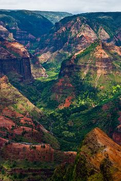 Waimea Canyon, Kauai, Hawaii One of the most beautiful places on earth Places To Travel, Places To See, Travel Destinations, Wonderful Places, Beautiful Places, Amazing Places, Hawaii Travel, Kauai Hawaii, Hawaii Usa