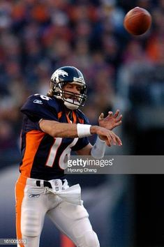 bf99ae010ca CO December 11 2005 Denver Broncos Jake Plummer is in the 1st quater of the  game