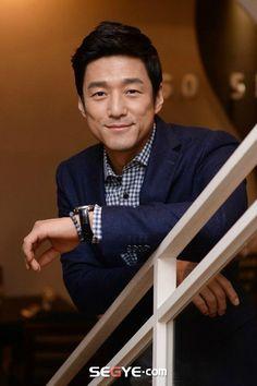 Ji Jin-hee (지진희) - Picture @ HanCinema :: The Korean Movie and Drama Database Asian Men, Pretty Boys, English Language, Gorgeous Men, Drama, June, Korean, Chinese, Actors