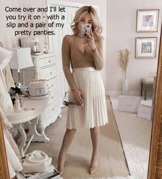 Pleated Skirt Outfit, Skirt Outfits, Midi Skirt, Cute Outfits, Prety Girl, Outfit Posts, Crossdressers, Gorgeous Women, Beautiful Dresses