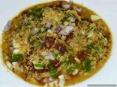 Ragda patties Chicken Karahi, Chicken Curry, Ragda Patties Recipe, Fish Curry, Chaat, Curry Recipes, Street Food, Indian Food Recipes, Breakfast Recipes