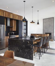 Luxury Kitchen Design, Kitchen Room Design, Kitchen Layout, Home Decor Kitchen, Interior Design Kitchen, Kitchen Furniture, New Kitchen, Country Kitchen Farmhouse, Modern Kitchen Island