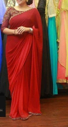 Nice and simple Blouse Designs Silk, Saree Blouse Patterns, Kurta Designs, Saree Models, Blouse Models, Plain Chiffon Saree, Sarees For Girls, Simple Sarees, Saree Trends