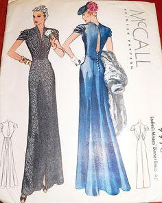 I love the blue 30'ies dress
