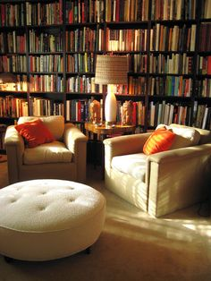 Kinda what I'm looking to do in our library.  Got the shelves and oodles of books -- need to work on getting comfy seating now.