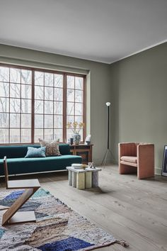 The new Jotun Lady Color Chart 2019 is here and comes in three fantastic new color palettes: Refined, Raw and Calm! Colorful Interiors, Interior, Contemporary Interior Design, Interior Design Trends, Home Decor, Room Colors, Trending Paint Colors, Living Room Designs, House Colors