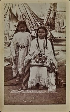 Kiowa girls near Fort Sill in Oklahoma - no date