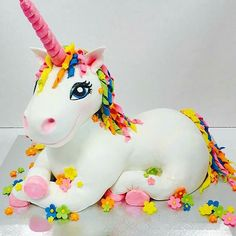 Unicorn Cake!! WOW what a majestic idea for a unicorn birthday party cake