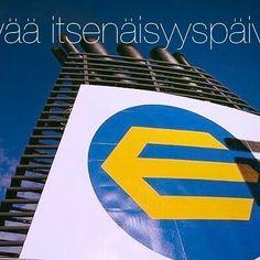 Eckerö Line. Sinivalkoisesti laineilla jo 22 vuoden ajan. Hyvää itsenäisyyspäivää, Suomi! 🇫🇮🎉 #suomi99 #finland #msfinlandia #eckeröline #suomi #juhlatuulella #onnea #itsenäisyyspäivä