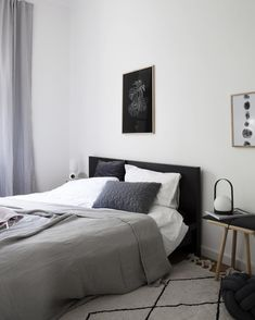 If you want to learn how to live like a minimalist, check out these ideas about minimalist bedroom decor, home decoration and living simple. White Bedroom Decor, Modern Bedroom Decor, Cozy Bedroom, Clean Bedroom, Minimalist Bedroom, Interior Design, Decor Ideas, Decorating Ideas, Scandinavian Design