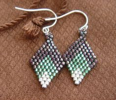 Earrings In Style Diamond Pattern Beadweaving Earrings Seed Bead Jewelry, Bead Jewellery, Seed Bead Earrings, Beaded Jewelry, Handmade Jewelry, Jewlery, Jewelry Patterns, Beading Patterns, Jewelry Crafts