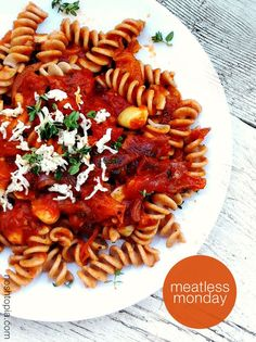 Einkorn Fusilli With Roasted Heirloom Tomato, Thyme, and Red Onion Sauce