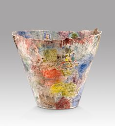 06 Stephen Benwell, Large flared vase earthenware, Art Gallery of South Australia, Courtesy of Niagara Galleries Melbourne Ceramic Bowls, Ceramic Pottery, Pottery Art, Ceramic Art, Sculpture Art, Sculptures, Australian Art, Australian Painters, Clay Bowl