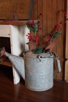 "Site has a lot of ideas for ""primitive"" christmas decorating!"