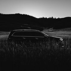 Exploring the beautiful landscape in Colorado with the GL Photo shot by wedding photographer Hardy Klahold ( Mercedes Benz Gl Class, Mercedes Amg, Daimler Ag, Beautiful Landscapes, Cool Cars, Porsche, Colorado, Photoshoot, Explore