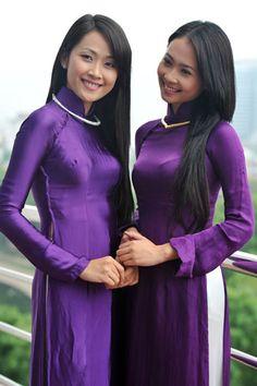 vietnamese women in ao dai -