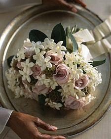 lavender garden roses with stephanotis