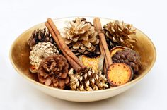 pine cone potpourri (pronounced pot-poor-y)