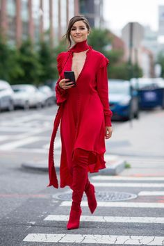 Hit the city streets during these fashion weeks in #LeSilla EVA boots as Olivia Culpo does. #starlooks www.lesilla.com