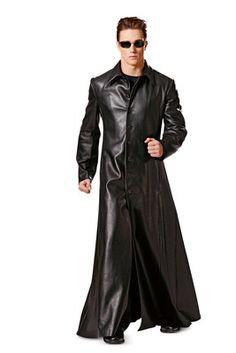 burda style, Schnittmuster für Halloween - Zwielichtige Gestalt: Mantel mit Nahttaschen, Knopfverschluss, Kragen