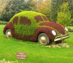 vw yard art. Wish I had my old yellow bug now!!!