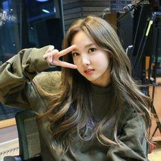 twice nayeon icon Kpop Girl Groups, Korean Girl Groups, Kpop Girls, K Pop, Jihyo Twice, Chaeyoung Twice, Nayeon Twice, Twice Kpop, Im Nayeon