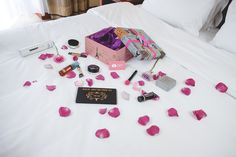 Make up goodies: http://themysteriousgirl.ro/2016/09/unboxing-new-beauty-products/