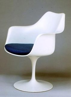 What is Mid-Century Modern?: Knoll Tulip Armchair