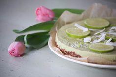 Raw key lime pie. www.menolippumaalle.fi