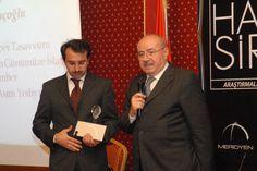 Muhammed Thamimi'nin Elinen 2011 Doktora Teşvik Ödülü: İlhami Oruçoğlu    http://www.sonpeygamber.info/  http://www.lastprophet.info/  http://www.derletzteprophet.info/  http://www.posledniyprorok.info/  http://www.sonpeygambercocuk.info/  http://www.seerahforkids.info/