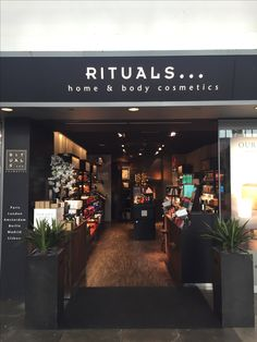 Amsterdam Amstel Station Rituals Cosmetics Store