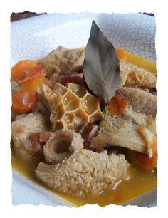 Tripes à la provençale Tripe Recipes, Vermicelli Recipes, Haitian Food Recipes, Mexican Food Recipes, Polenta, Senegalese Recipe, I Love Food, Good Food, Ghana Food