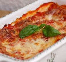 Zapekané cannelloni so špenátom a ricottou Mashed Potatoes, Pizza, Cheese, Ethnic Recipes, Food, Whipped Potatoes, Smash Potatoes, Essen, Meals