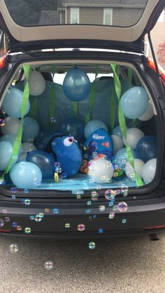 Trunk or treat dory decor