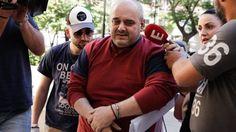 """«Слепому» сексуальному изварщенцу предъявлены обвинения http://feedproxy.google.com/~r/russianathens/~3/bRS5S6AQwkw/24260-slepomu-seksualnomu-izvarshchentsu-pred-yavleny-obvineniya.html  52-летнему слабовидящему, заключенному под стражу в мае текущего года представлено обвинение в """"детской порнографии, похищении, нанемении тяжких телесных повреждений и пытках студентки""""."""