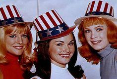 Meredith MacRae, Lori Saunders, and Linda Kaye Henning Lori Saunders, Meredith Macrae, Petticoat Junction, The Beverly Hillbillies, 70s Tv Shows, My First Crush, Tv Land, Old Tv, Classic Tv