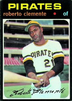 baseball card with a picture of roberto clemente