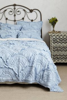 Absolutely loving this dreamy shade of blue and all of this gorgeous texture!