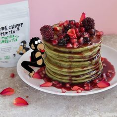 🍃 Give your pancakes an extra boost by adding a tsp of Matcha! #breakfast #breakfastrecipe #bankholiday #matcha #matchagreentea #matcharecipes #pancakes #matchapancakes #matchapowder #matchaholic #antioxidants #greentea #baking #healthyfood #healthyrecipes #healthybreakfast