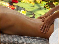 EL MEJOR SPA. Las vértebras lumbares están en la parte baja de la espalda y son las que soportan mayor peso, más presión y permiten la torsión del tronco en donde se centra el movimiento. Para reducir el dolor lumbar, es necesario tener un peso adecuado y reducir la tensión muscular. En Velamen SPA contamos con el masaje de espalda, diseñado para trabajar las zonas de mayor acumulación de estrés, espalda, hombros y cuello, disolviendo contracturas y logrando una relajación a profundidad. Te…
