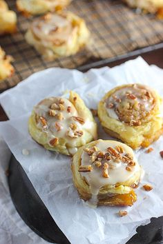 Try these easy cinnamon rolls made with puff pastry instead of regular dough. I promise that you will love them!