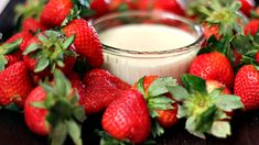 Fresh Strawberries with Brown Sugar Dip - I've never had berries with sour cream/brown sugar dip