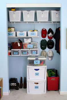 Life In The Thrifty Lane: Friday Night Finds: Organized Kids Rooms