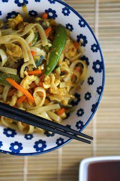 Tagliatelles de riz aux saveurs d'Asie.  #tagliatelles #riz #asie #asianfood #poulet #healthy #sansgluten #exotique #nouilles #noodles