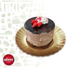 Per San Valentino.  Monoporzione Bacio al cuore di Nocciola.  #delicious #dessert #instafood #instagood #food #foodporn #sanvalentino #amore #nocciole