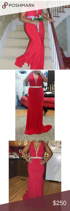 Red Prom Dress Red prom dress, with a plunging neck line. Super gorgeous!! It's perfect for prom 😻 Dresses Prom