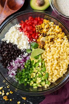 Mexican Macaroni Salad (need to change up a few items to make this more figure f… Salade de macaronis à … Mexican Macaroni Salad, Mexican Pasta, Vegetarian Salad Recipes, Mexican Food Recipes, Healthy Recipes, Easy Pasta Recipes, Pasta Salad Recipes, Italian Dressing Pasta Salad, Easy Cooking