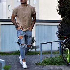 nice 46 Stylish Ripped Jeans for Men https://attirepin.com/2018/01/07/46-stylish-ripped-jeans-men/