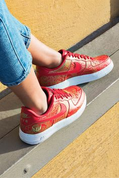 CELEBRATE YOUR WAY. Stand out during the world's biggest celebration in a personalized pair of Air Force 1 Lunar New Year iDs. Pick from 5 bold color combos and an array of symbols of Chinese virtue.